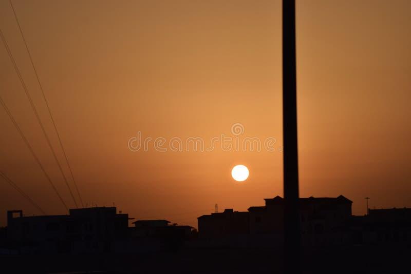 Beau ciel clair au coucher du soleil photos libres de droits