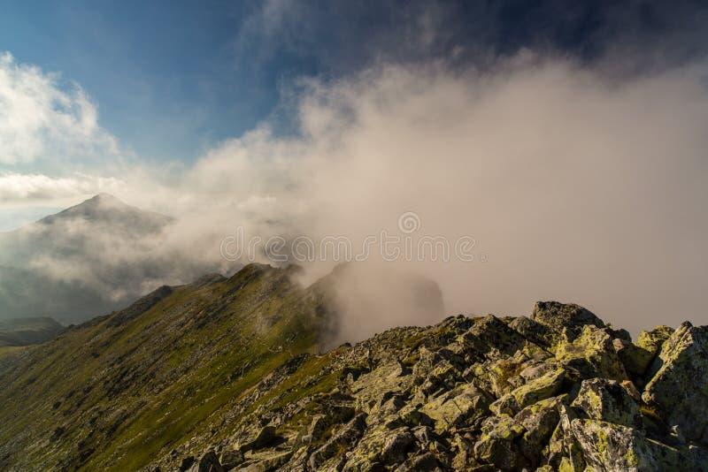 Download Beau Cloudscape Dans Les Alpes Image stock - Image du granit, nuages: 45367959