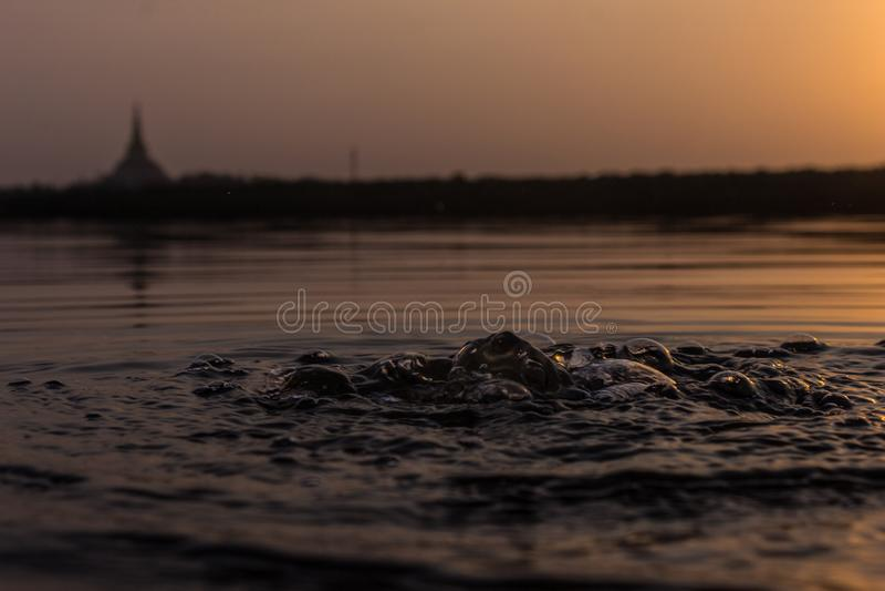 Beau coucher du soleil à la crique de Gorai images libres de droits
