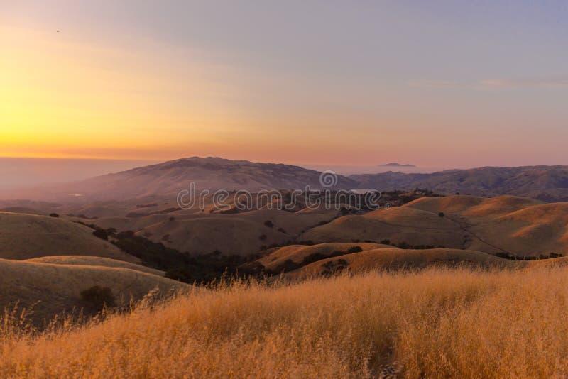 Beau coucher du soleil à la sierra vue images libres de droits