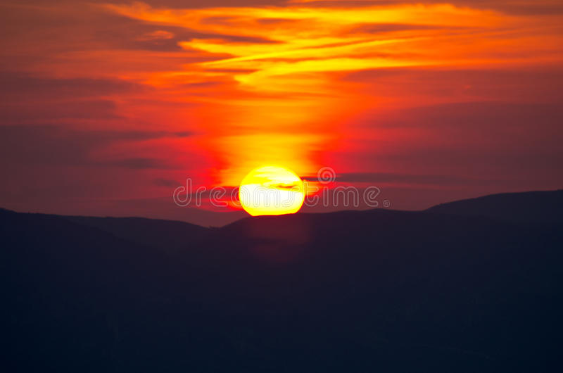 Beau coucher du soleil au-dessus d'île de Zakynthos, Grèce images stock