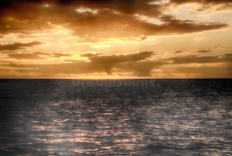 Beau coucher du soleil au St Lucia images stock