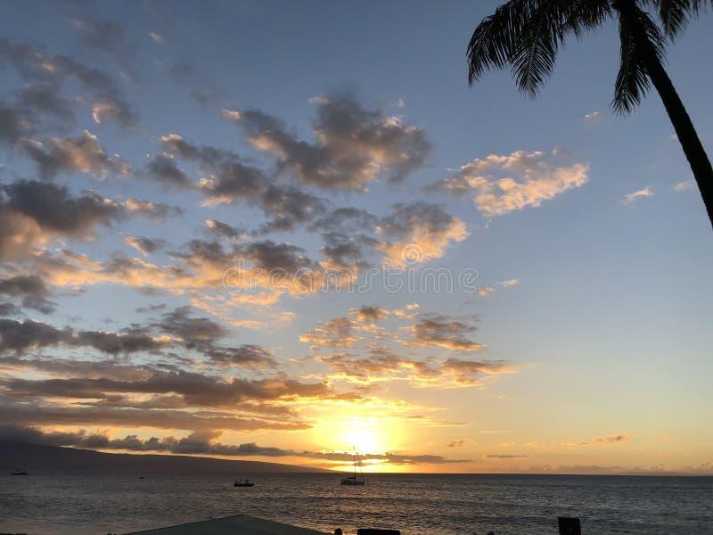 Beau coucher du soleil dans Maui ! image stock