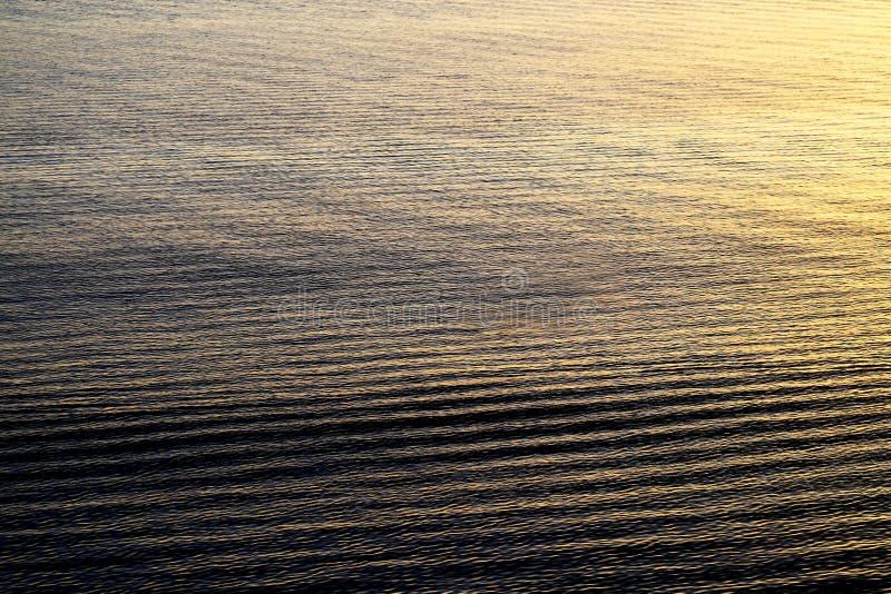 Beau coucher du soleil de mer image stock