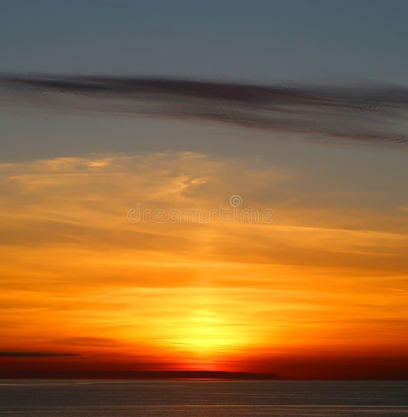 Beau coucher du soleil de mer photographie stock