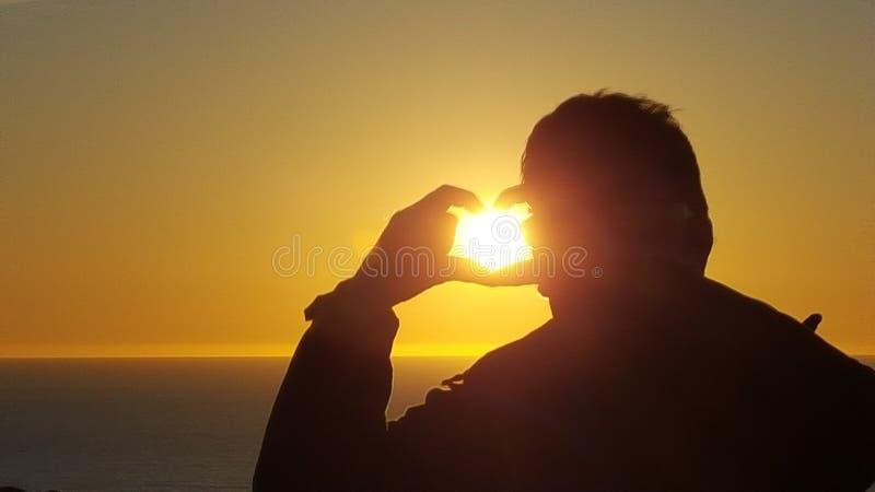 Beau coucher du soleil jaune photo libre de droits