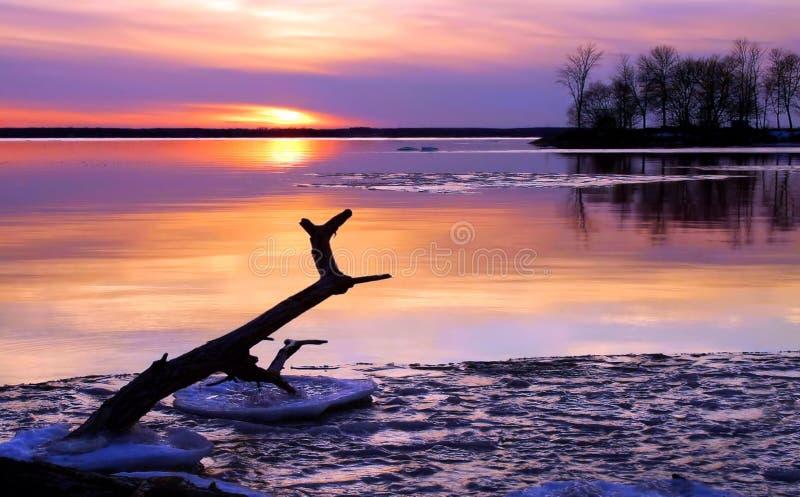 Beau coucher du soleil du nord lointain photos stock