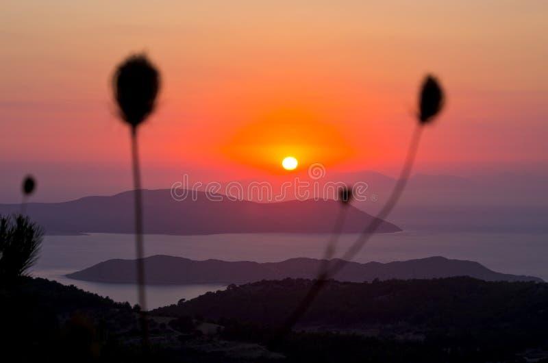 Beau coucher du soleil sur l'île de Rhodes, Grèce images stock