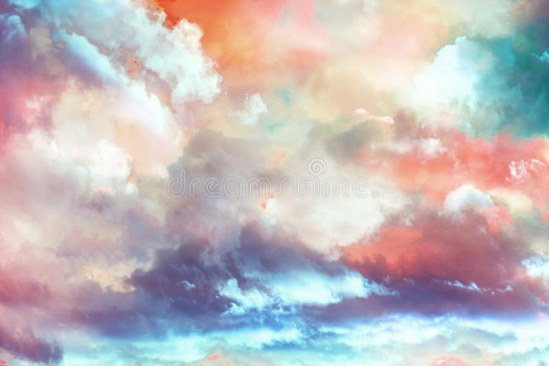 Beau décor fantastique de nuages d'hiver image stock