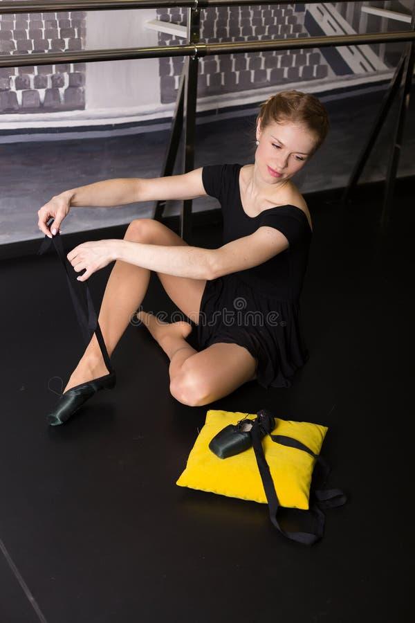 Beau danseur de ballet photos libres de droits