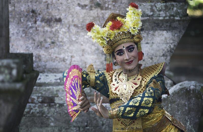 Beau danseur de legong de balinese image stock