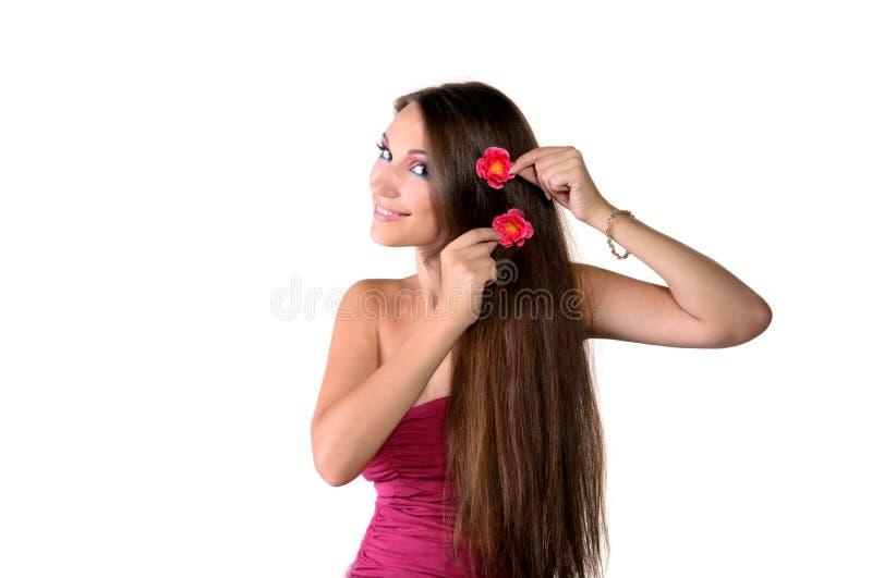 Beau de fille renivellement de rose professionnellement photographie stock