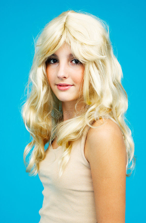 Beau de l'adolescence blond.   images libres de droits