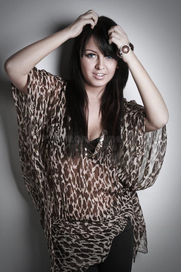 Beau et sexy brunette (sépia modifiée la tonalité) photos libres de droits
