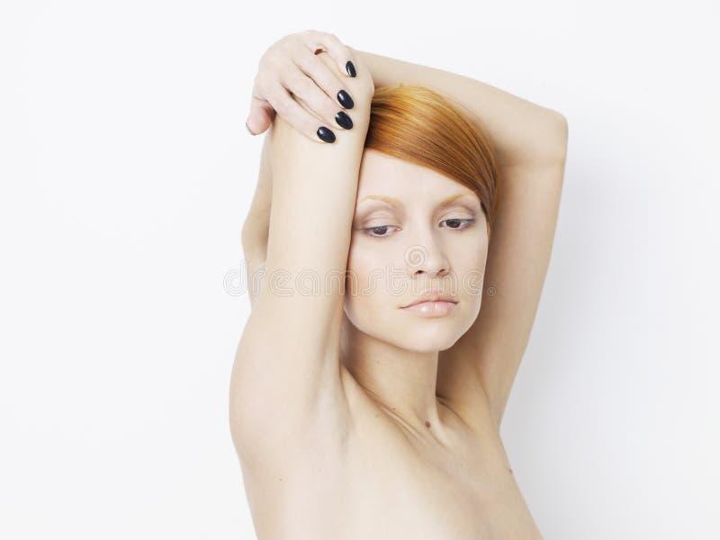 Beau femme avec la coiffure courte images libres de droits