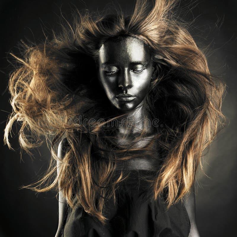 Beau femme avec la peau noire image stock