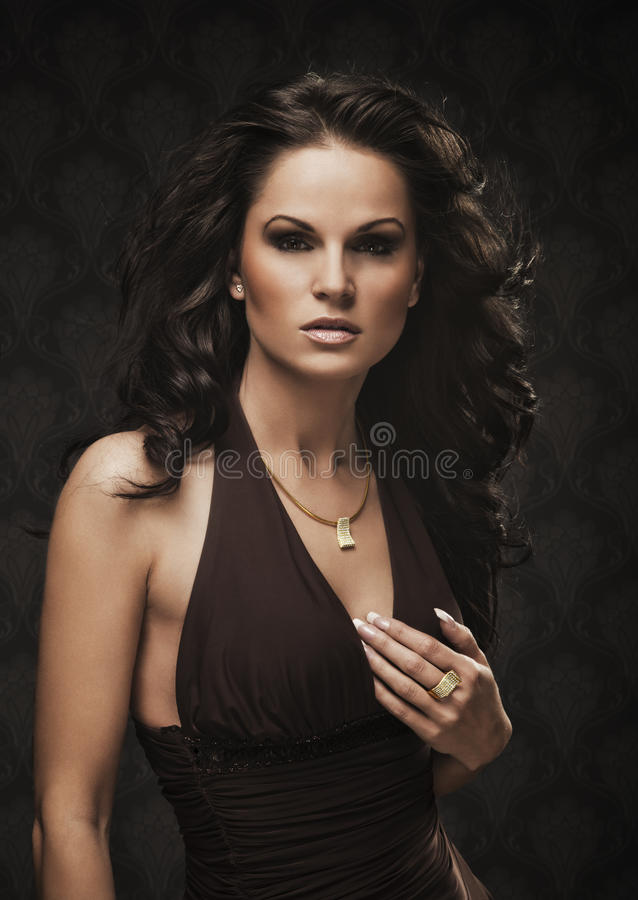 Beau femme avec le bijou 1 photo stock