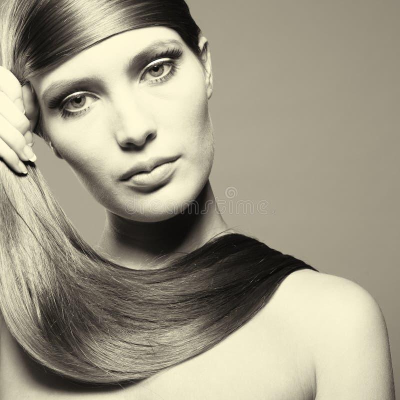 Beau femme avec le cheveu magnifique images libres de droits