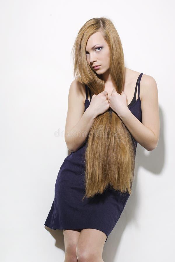 Beau femme avec le long cheveu photo stock