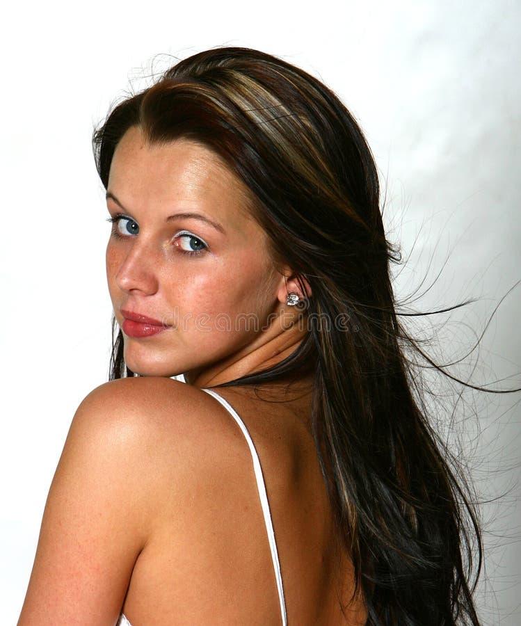 Beau femme avec le long cheveu photographie stock libre de droits
