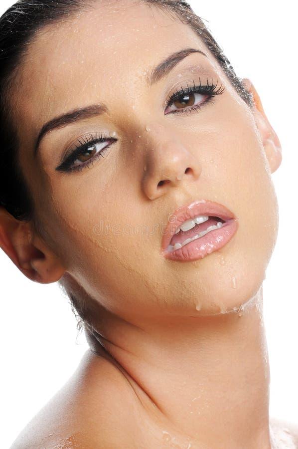 Beau femme avec le visage humide photos libres de droits