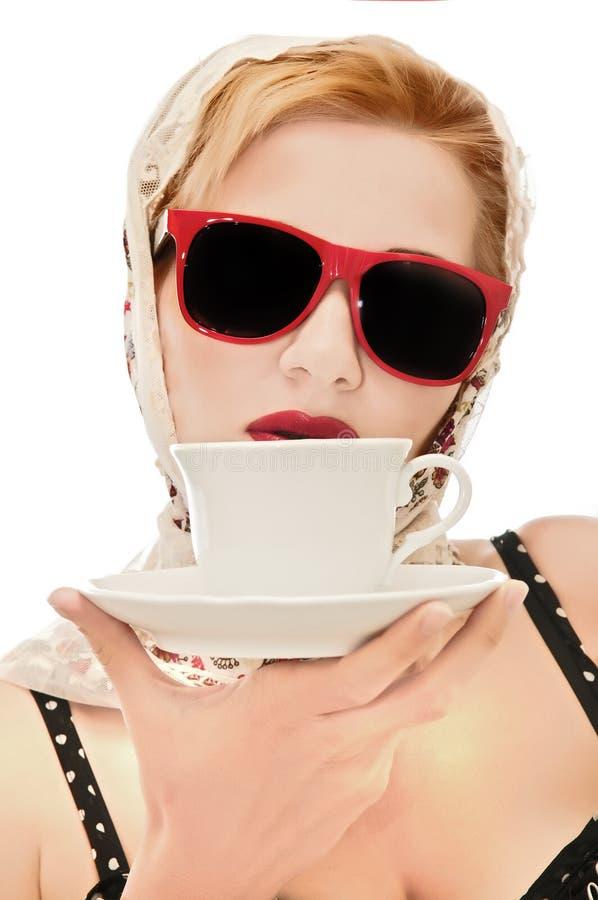 Beau femme avec une cuvette photos stock
