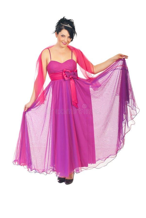 Beau femme dans la robe élégante rose images libres de droits