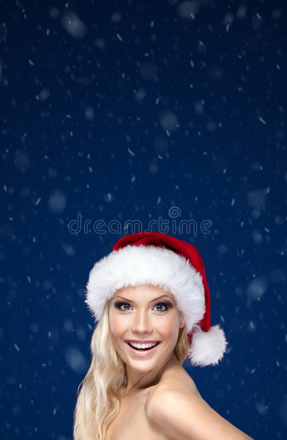 Beau femme dans le capuchon de Noël photo stock