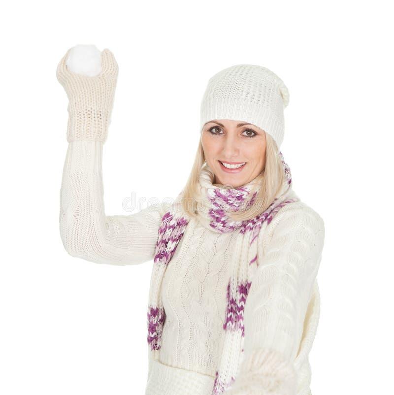 Beau femme dans le vêtement chaud de l'hiver photographie stock libre de droits