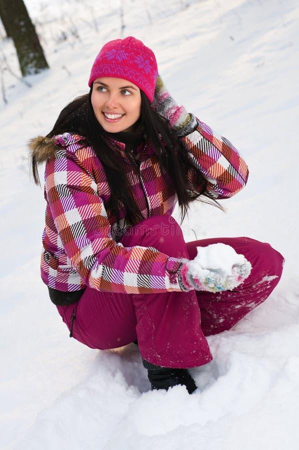 Beau femme extérieur en hiver photographie stock