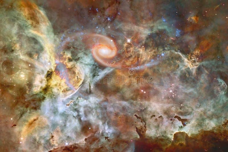 Beau fond de galaxie avec la nébuleuse, les chimères et les étoiles lumineuses images stock