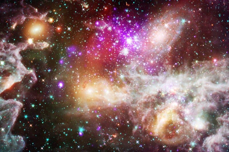 Beau fond de galaxie avec la nébuleuse, les chimères et les étoiles lumineuses photos libres de droits