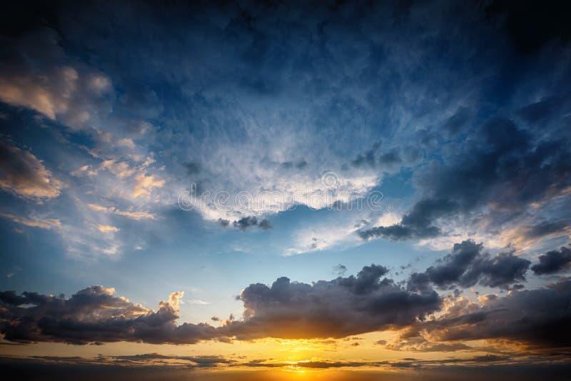 Beau fond de la SK de coucher du soleil photographie stock
