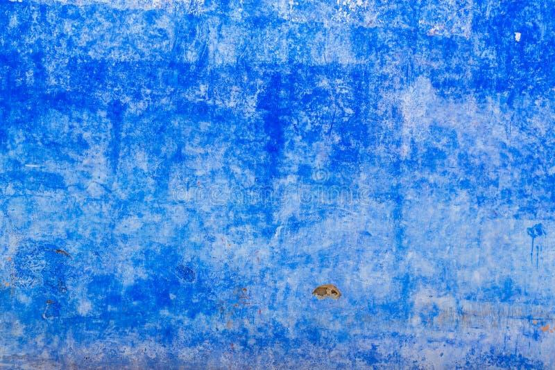 Beau fond en stuc bleu foncé photographie stock