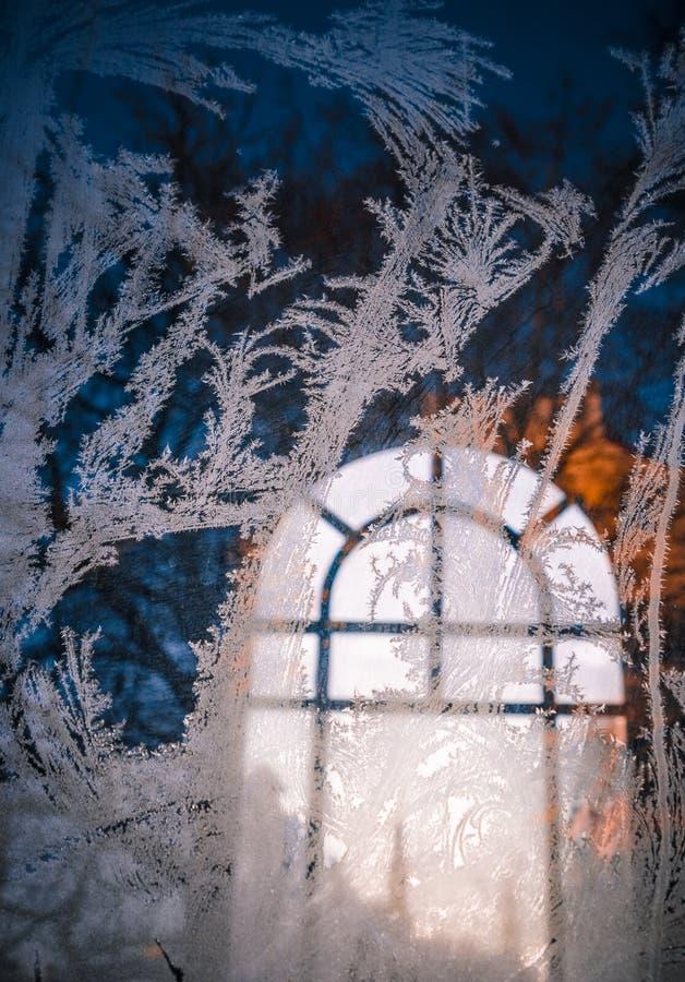 Beau gel sur la fenêtre image libre de droits