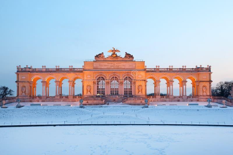 Beau Glorietta au stationnement de Schonbrunn à l'hiver image libre de droits