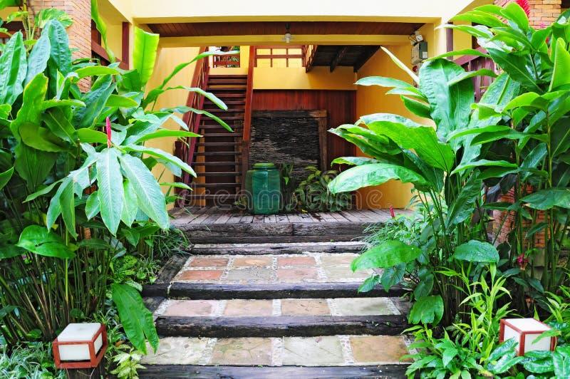 Beau jardin tropical photos stock
