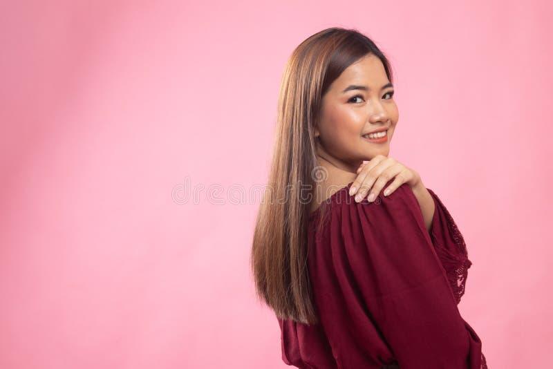 Beau jeune femme asiatique heureux photo stock