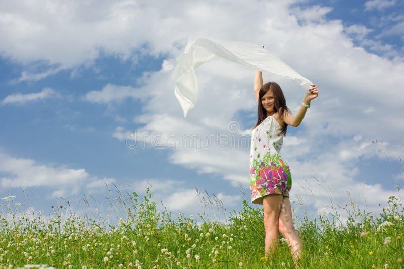 Beau jeune femme avec un châle photos libres de droits