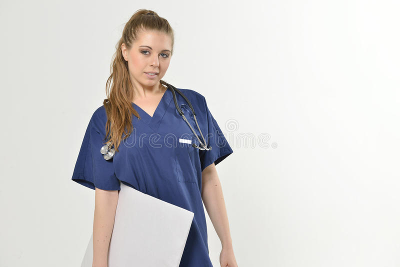 Beau jeune professionnel féminin de soins de santé images stock