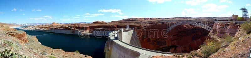 Beau jour au barrage de Glen Canyon et au lac Powell en page, l'Arizona photographie stock