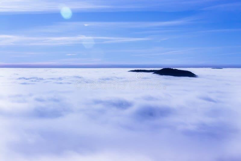 Beau jour dans les montagnes photographie stock libre de droits