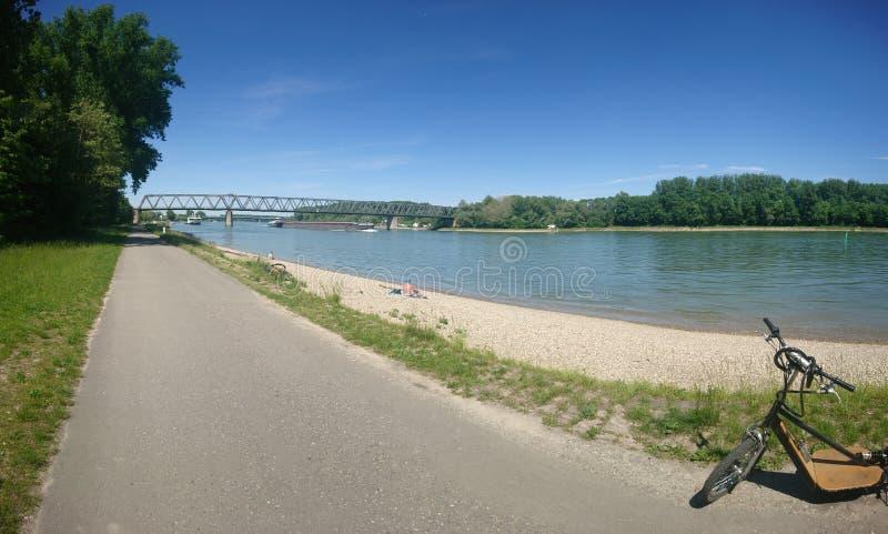 Beau jour ensoleillé Rhein images libres de droits