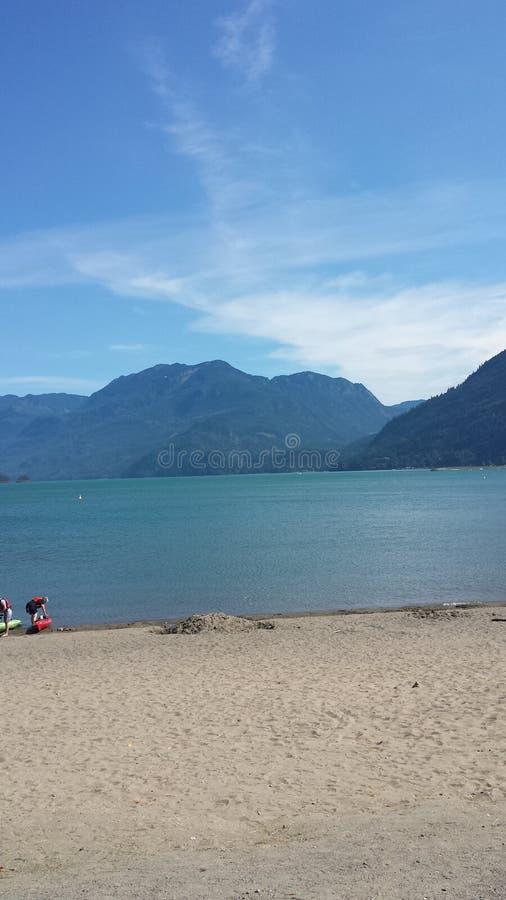 Beau lac bleu photo stock