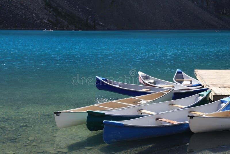 Beau lac moraine photos libres de droits
