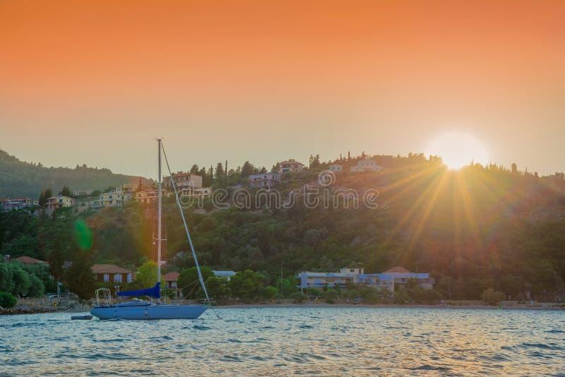 Beau lever de soleil au-dessus d'île de Leucade, Grèce images libres de droits