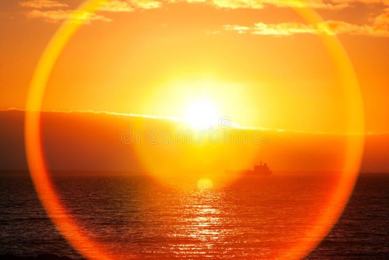 Beau Lever De Soleil Au-dessus D Océan Images libres de droits