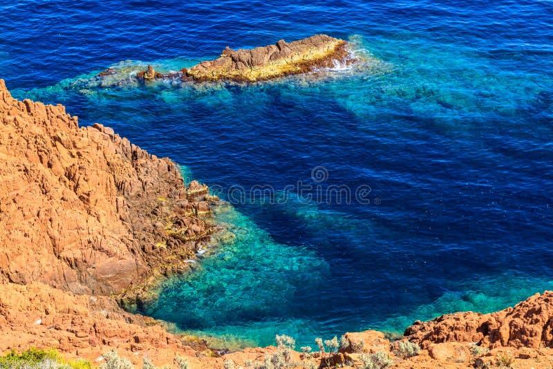 Beau littoral scénique sur la Côte d'Azur près de Cannes photo libre de droits