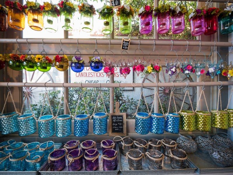 Beau magasin de savon dans la vieille ville historique photo stock