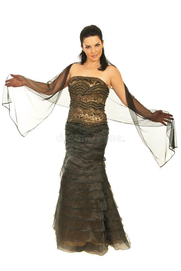 Beau modèle dans la longue robe élégante photo stock